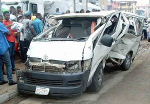 PIC. 5. SCENE OF AN ACCIDENT INVOLVING AN INTER-STATE COMMERCIAL BUS AT BRT BUS STOP, FADEYI, ALONG IKORODU ROAD IN LAGOS ON FRIDAY (3/6/16). 3999/3/6/2016/WAS/BJO/NAN