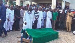 amodus-burial-
